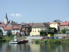 Obereisenheim mit Fähre